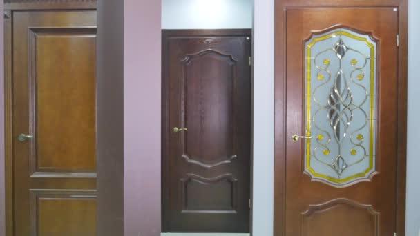 Zárt ajtó tervezés szobabelső