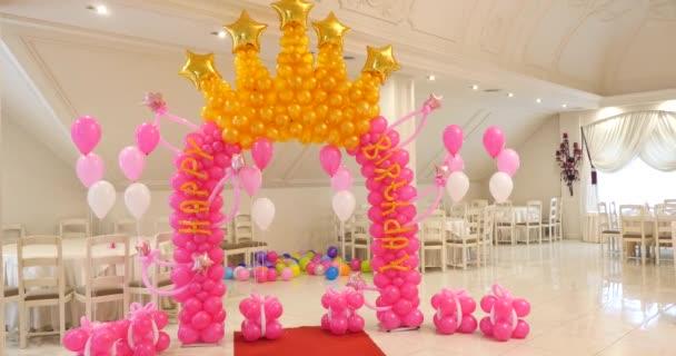 Boltív a ballonok boldog születésnapi dekoráció