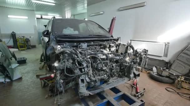 Auto test javítási sorozat szerelő javítás karosszéria