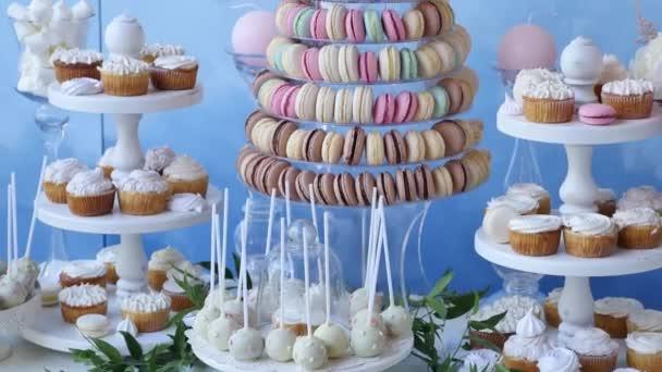 Ízletes esküvői fogadás cukorka desszert asztal