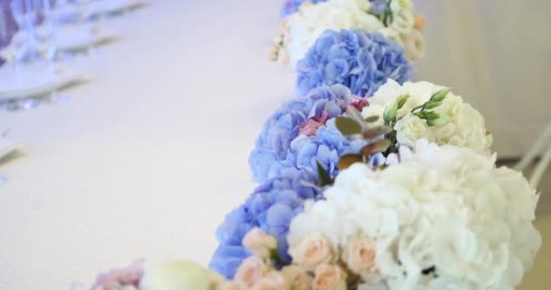wedding table decoration with flowers, flower decoration wedding table, wedding florist