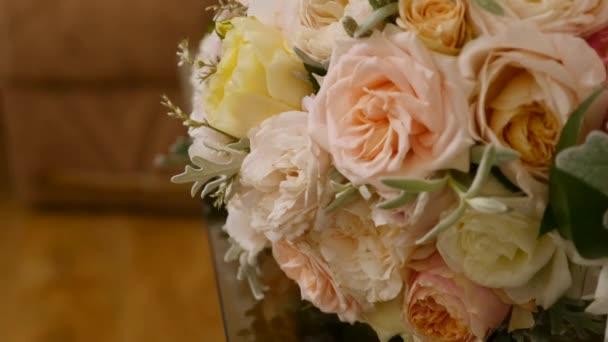 Krásné svatební kytice čerstvých květin
