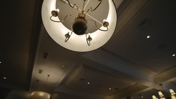 Kronleuchter Dekoration ~ Beleuchtung wohnzimmer modern beispiel decke kristall kronleuchter