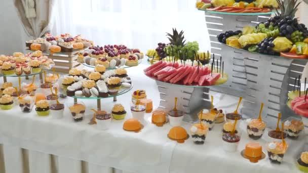 Candy Bar Hochzeit Sussigkeiten Buffet Leckere Schokoriegel Bei