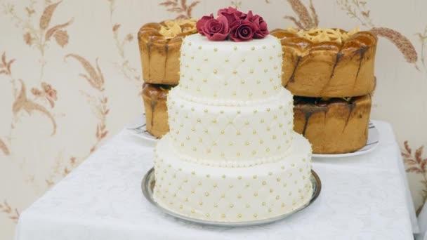 Close Up bílé svatební dort