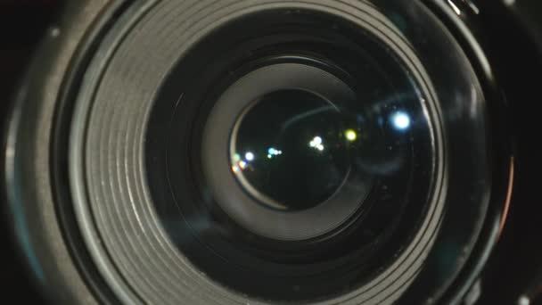 Video kamera objektivu, zoom a oslnění, otočí, zblízka