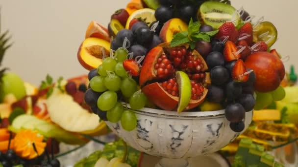 zblízka z čerstvého ovoce na bufet