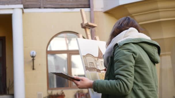 Genç Sanatçılar şehirde çizin Sokakta Resim Boyama Sanatçılar
