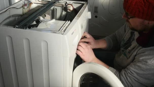 Instalatér servis pračky domácích střílel na R3d