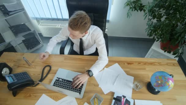 Podnikatel je elektronická cigareta kouření na pracovišti v úřadu