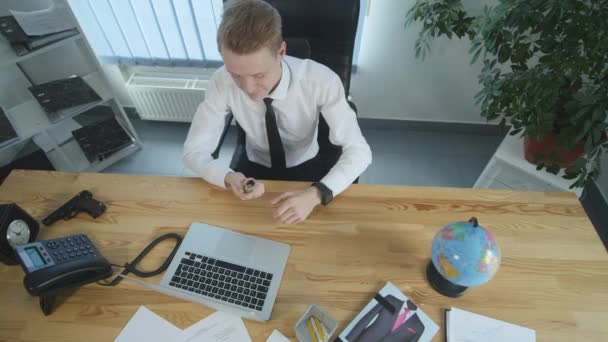 Businessman working with cash money on his desk