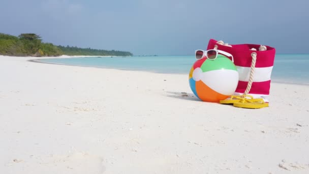 v02279 Maledivy krásné pláže pozadí bílé písečné tropický ráj ostrov s modrou oblohu moře vody oceánu 4k pytel míč