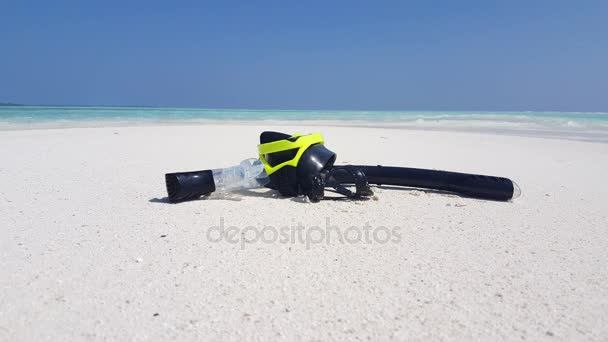 v02377 Maledivy krásné pláže pozadí bílé písečné tropický ráj ostrov s modrou oblohu moře vody oceánu 4k