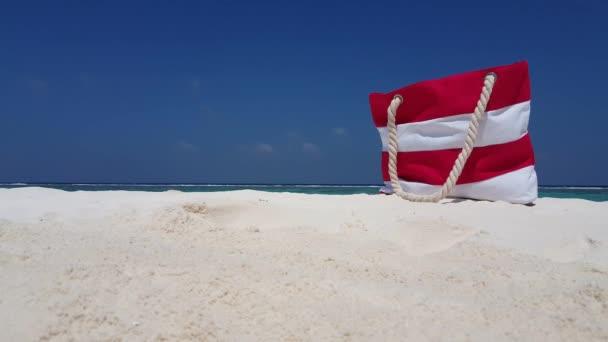 v02725 Maledivy krásné pláže pozadí bílé písečné tropický ráj ostrov s modrou oblohu moře vody oceánu 4k piknik taška