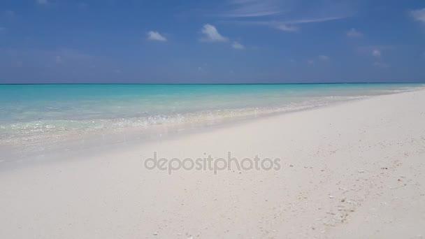 v1091 Maledivy krásné pláže pozadí bílé písečné tropický ráj ostrov s modrou oblohu moře vody oceánu 4k