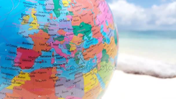 v01247 Maledivy krásné pláže pozadí bílé písečné tropický ráj ostrova s modrou oblohu moře vody oceánu 4k world atlas globe map