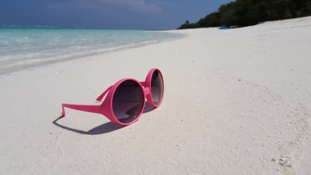 v01757 Maldives beautiful beach background white sandy tropical paradise island with blue sky sea water ocean 4k pink red sunglasses