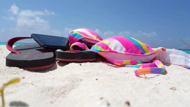 v01761 Maldives beautiful beach background white sandy tropical paradise island with blue sky sea water ocean 4k pink bikini black flip flops