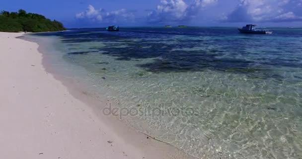 v00148 Maledivy krásné pláže pozadí bílé písečné tropický ráj ostrov s modrou oblohu moře vody oceánu 4k