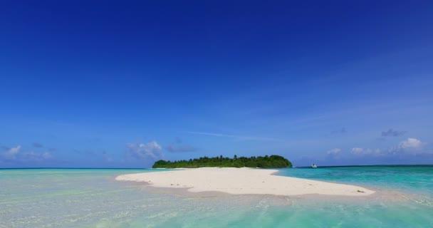 v00680 Malediven Strand Hintergrund weißen sandigen tropisches Paradiesinsel mit blauem Himmel Meer Wasser Ozean 4k Sandbank Lagune