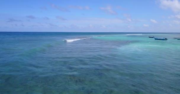 v14066 vlny vody textury lámání a burácení s DRONY létající pohled aqua modré a zelené čisté moře oceánu