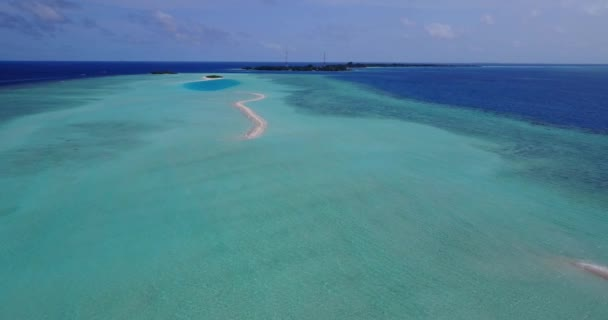 v15200 Maledivy pláž s bílým pískem tropické ostrovy s DRONY letecké létající ptáci oko zobrazení s aqua modré mořské vody a slunečnou oblohou