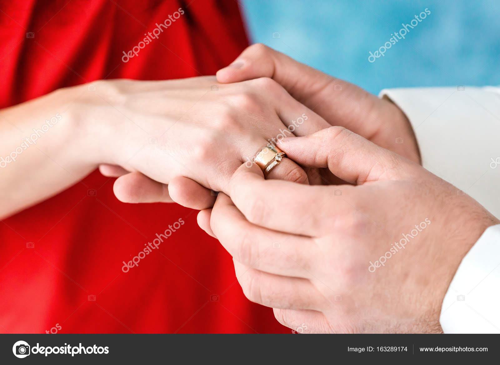 Ring on brides finger Stock Photo okskukuruza 163289174