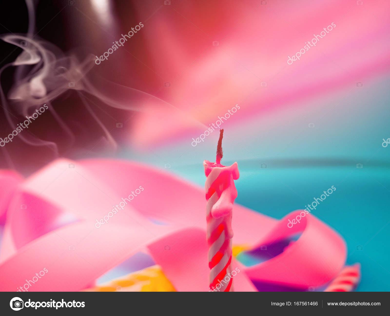 Jeden Jednej świecy Na Urodziny Wakacje Zdmuchnąć świeczki