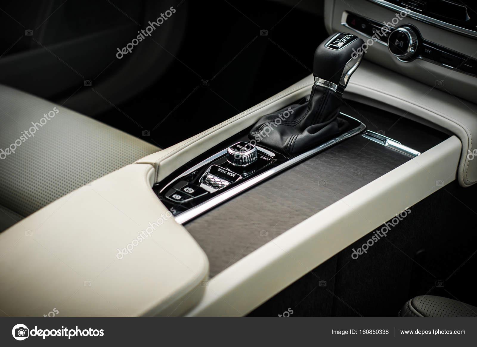 Moscow Russia Maio 3 2017 Volvo V90 Cross Pais Vista Interior Teste Do Novo Volvo V90