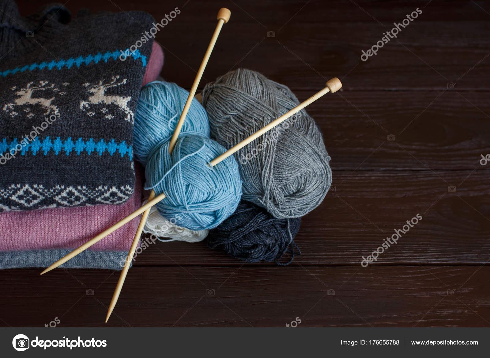 вязание стиль жизни стоковое фото Kkshepel 176655788