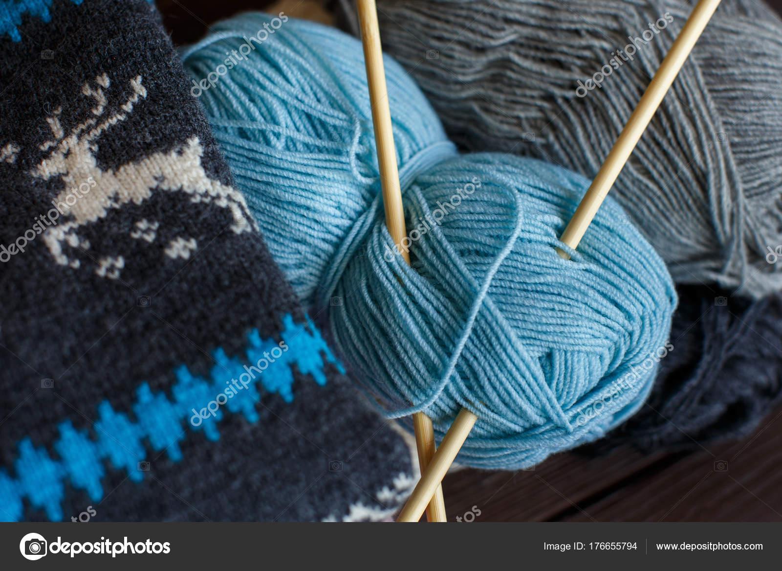 вязание стиль жизни стоковое фото Kkshepel 176655794