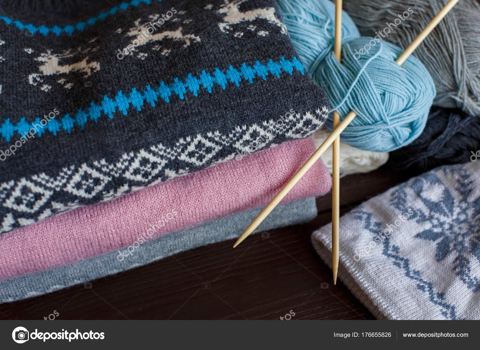 вязание стиль жизни стоковое фото Kkshepel 176655826