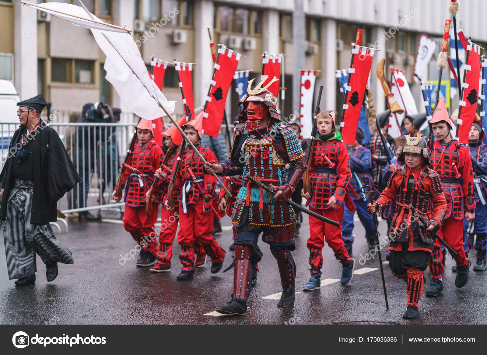 Москва, Россия, 14 октября 2017: карнавал парад в Москве ... - photo#42