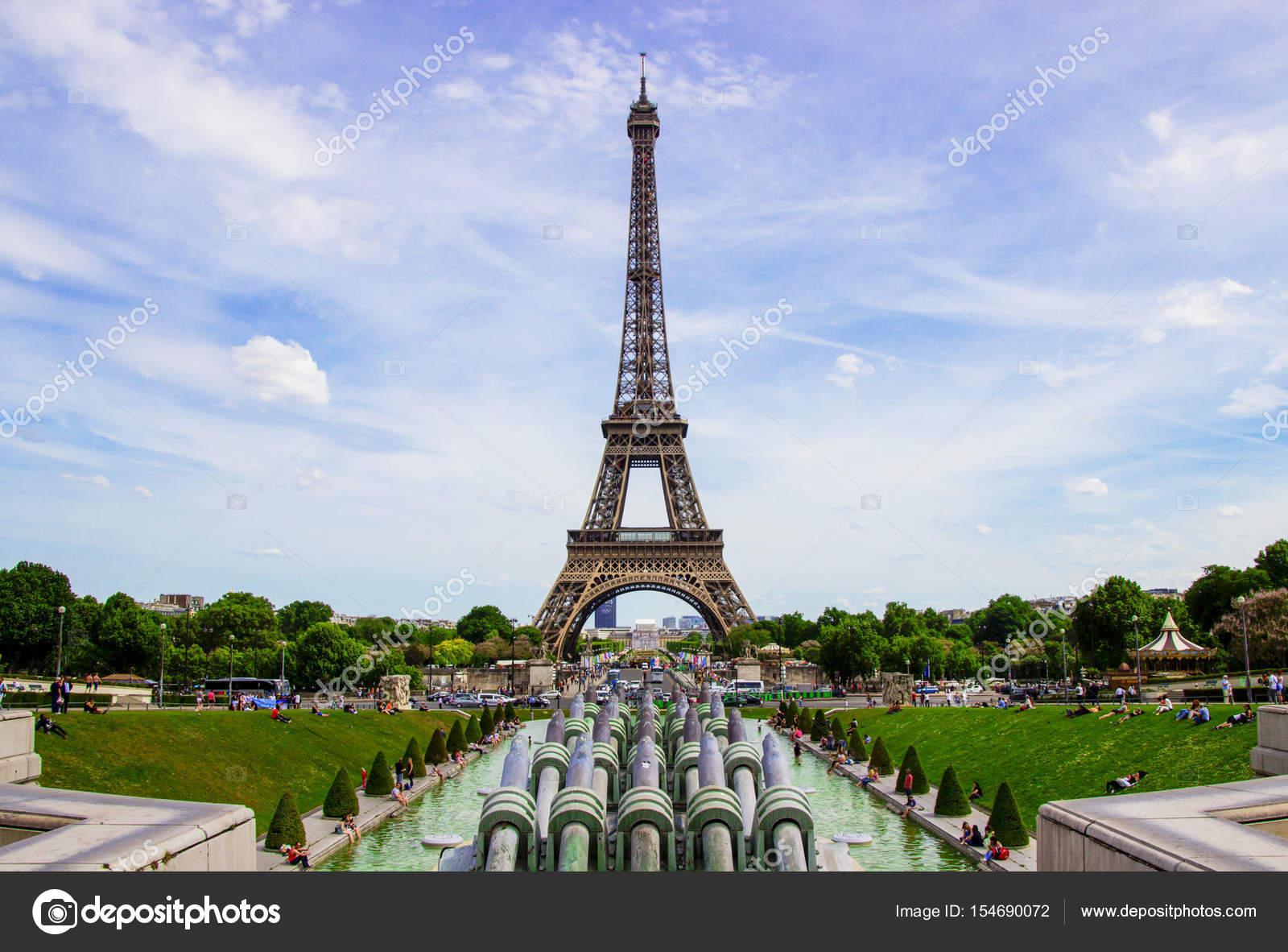Famosos A Torre Eiffel, em Paris, França. Torre Eiffel, símbolo de Paris  BS65
