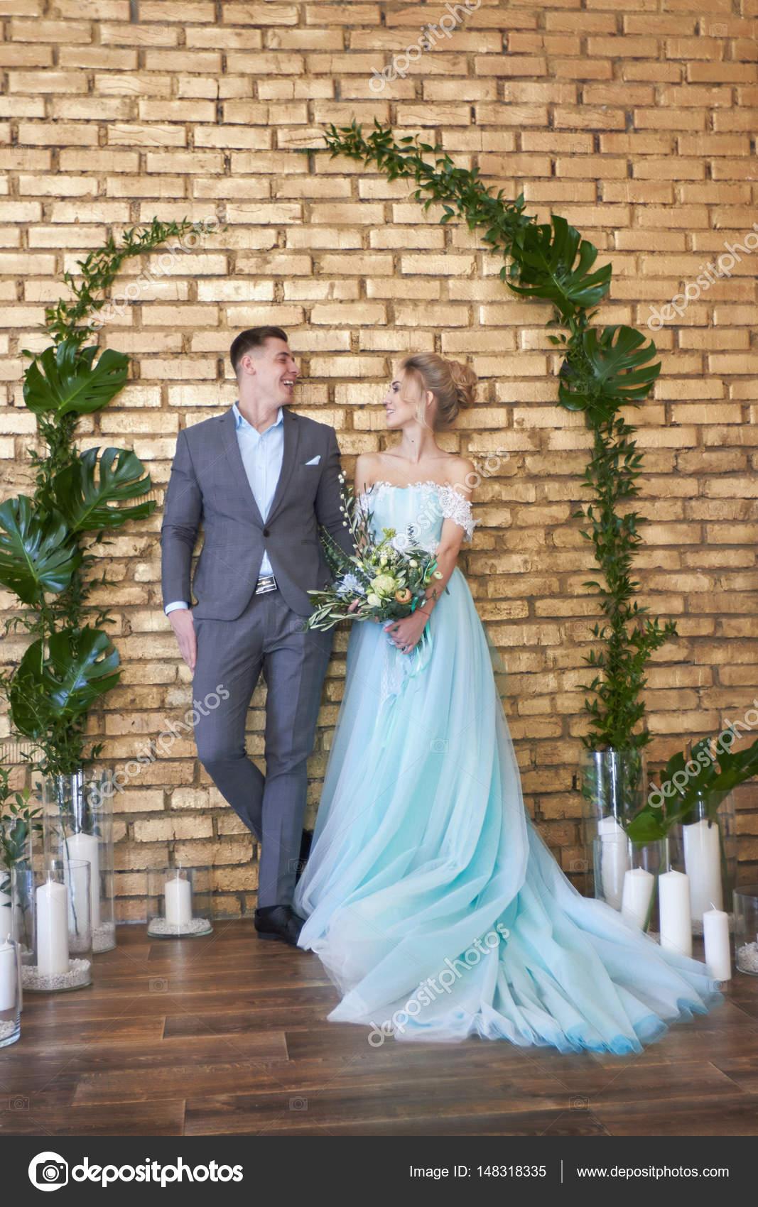 Frisch verheiratetes Paar, Liebespaar vor der Hochzeit. Mann und ...