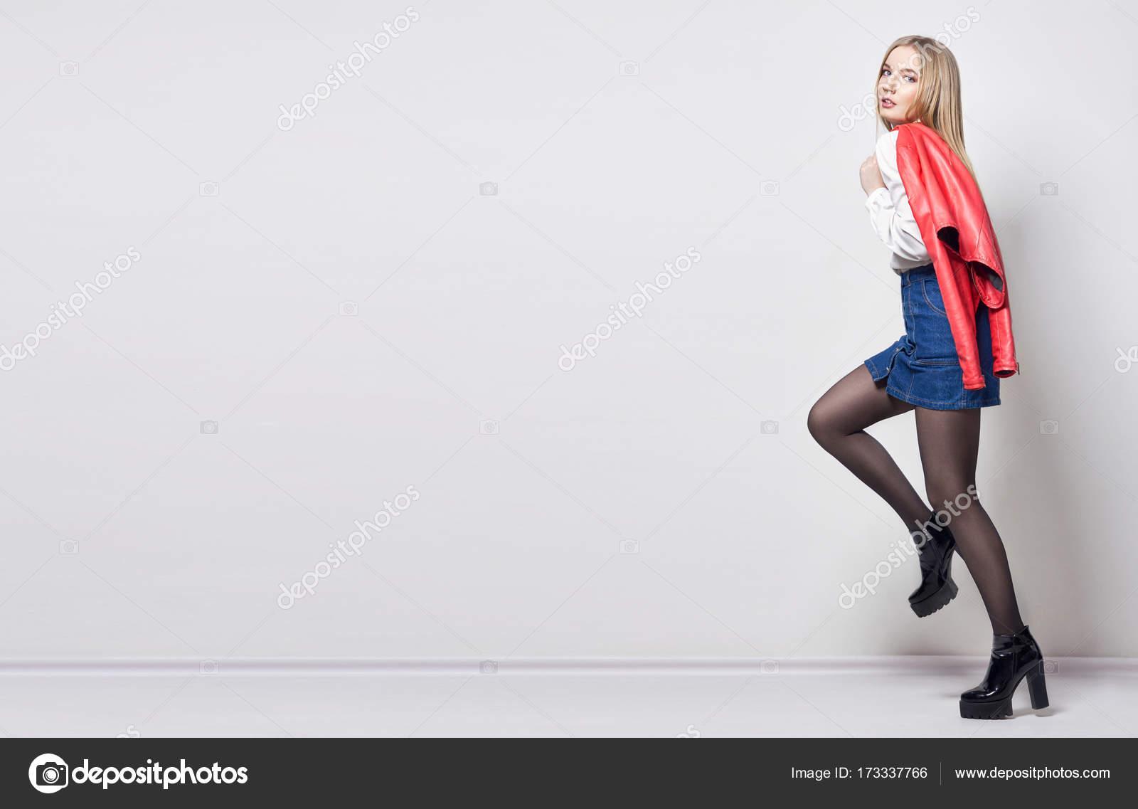 Модный образ нежной и сексуальной женщины