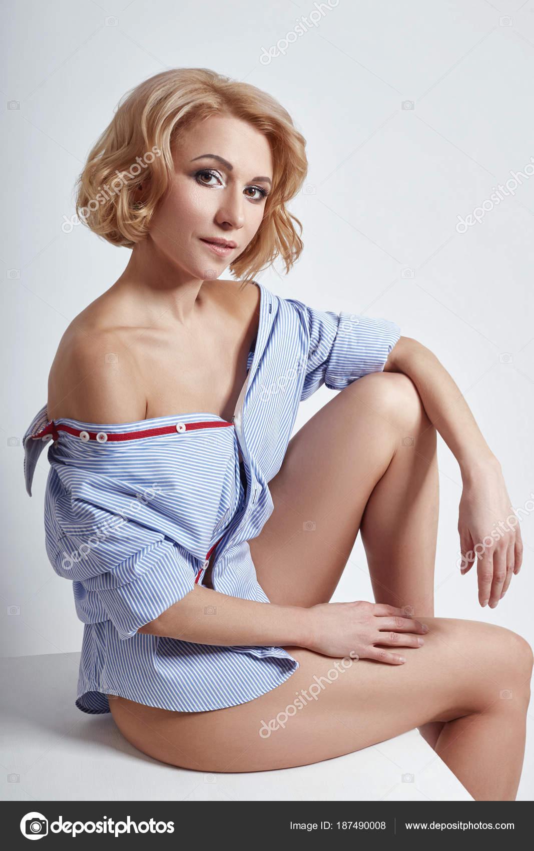 Фото голых дерзких блондинок, знаменитости в откровенных постельных сценах