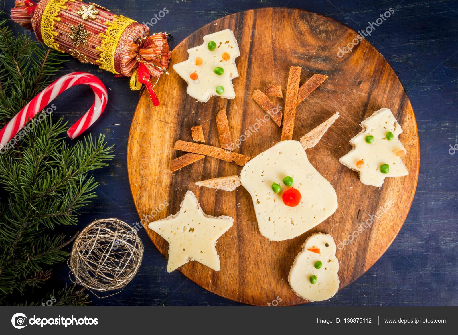 Lustige Weihnachts-Frühstück, sandwiches in Form von Weihnachten t ...