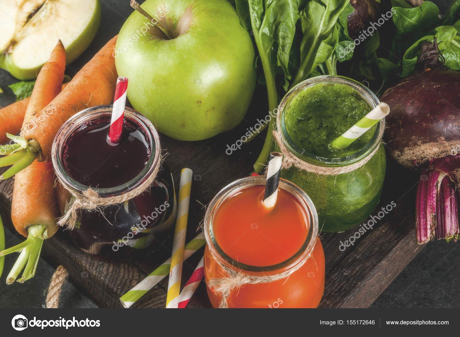 Vegane Ernährung essen. Detox Getränke. Frisch gepresste Säfte und ...