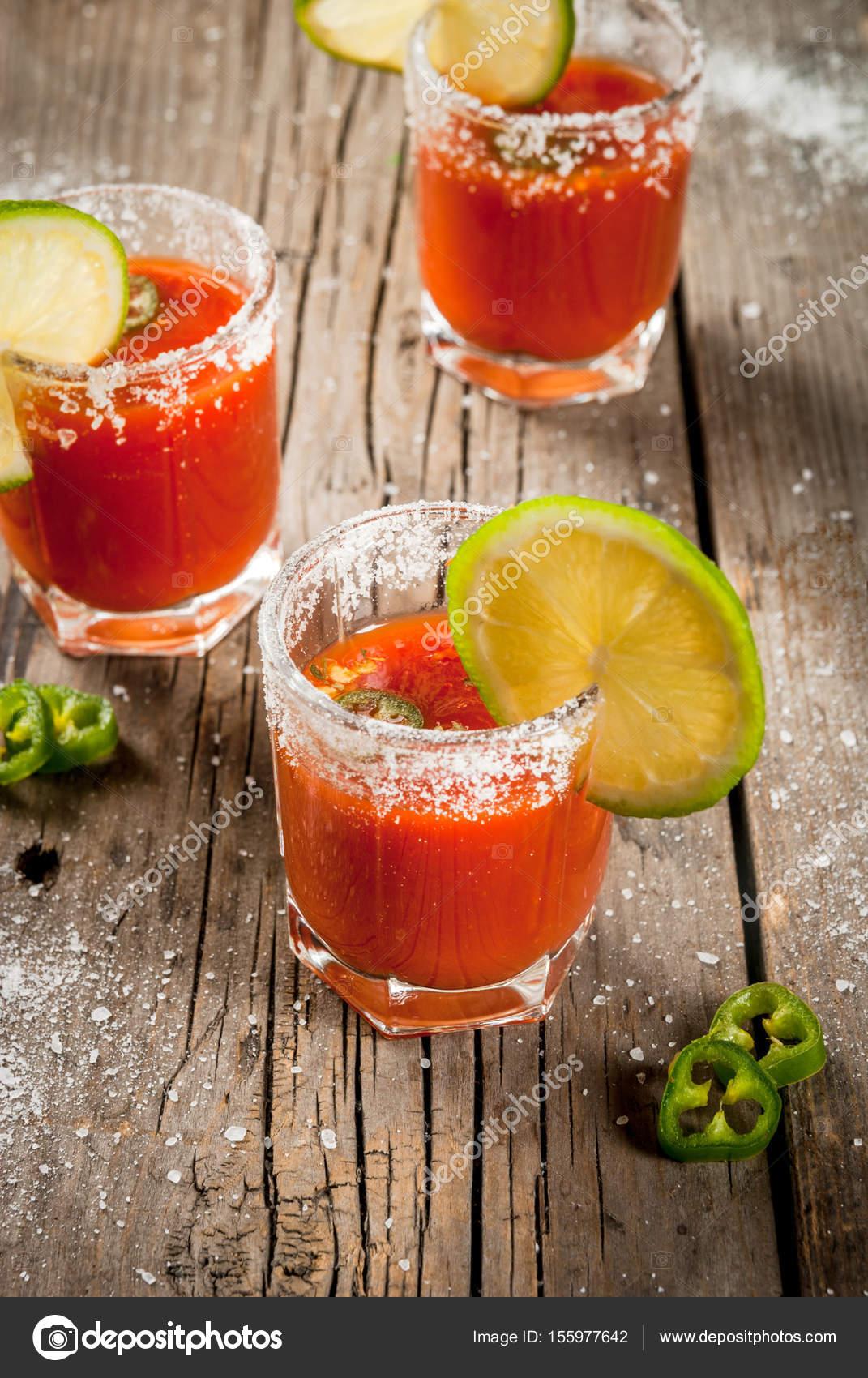 Mexikanische traditionelle Getränk Sangrita — Stockfoto © unixx.0 ...