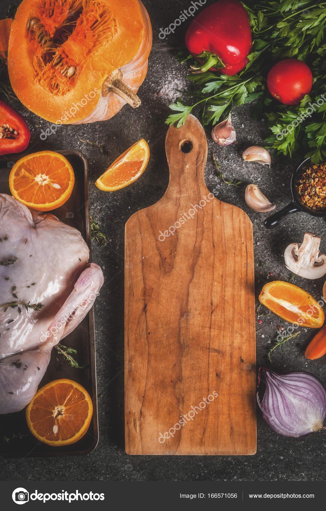 Cucinare la cena per Natale, Thanksgiving — Foto Stock © unixx.0 ...