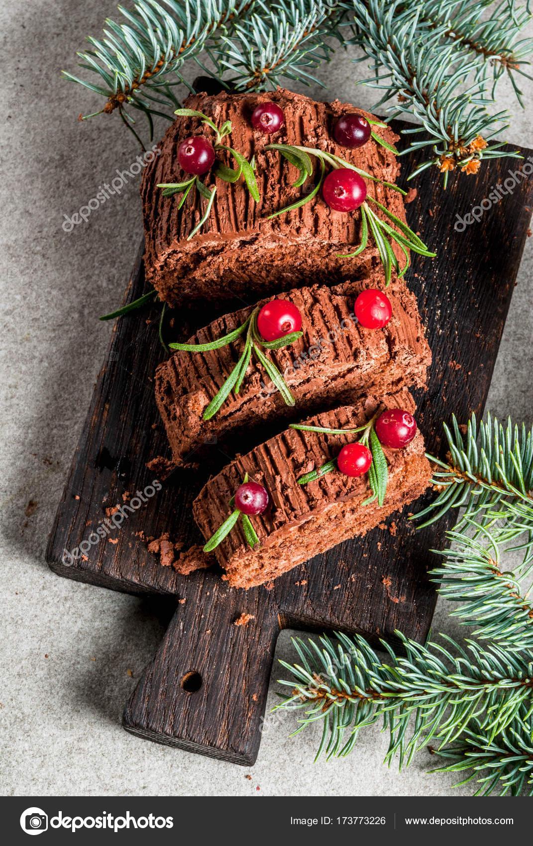 Christmas yule log cake — Stock Photo © unixx.0.gmail.com #173773226