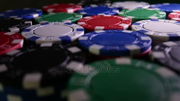 Tavolo da poker con Poker Chips si trasforma nel Casino