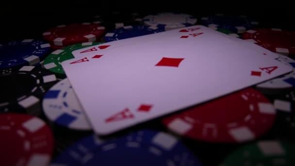 Doppi assi sul Poker Chips