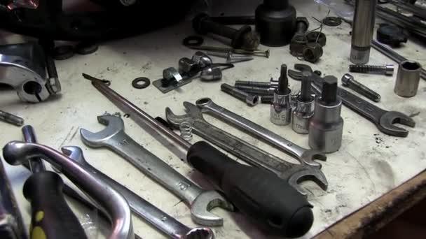 Dílenské opravy auto nebo motocykl
