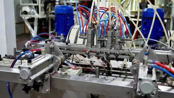 Balicí stroj pro balení chemikálií nebo jakékoliv prášky