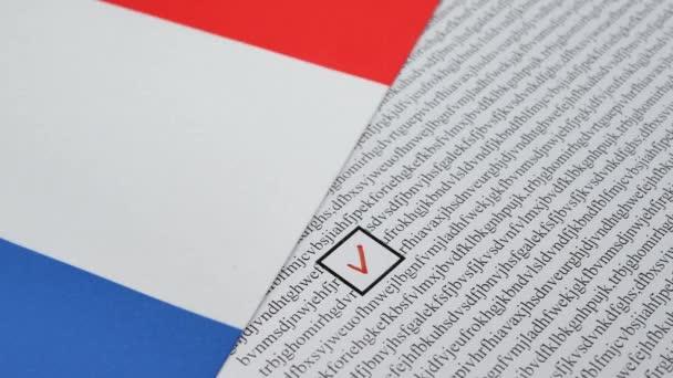 Hlasování papíru hlasování ve Francii