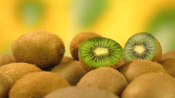 Finom friss kivi gyümölcs