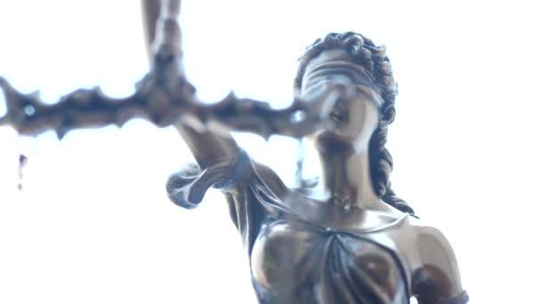 Lady Justice szimbólum fehér háttér