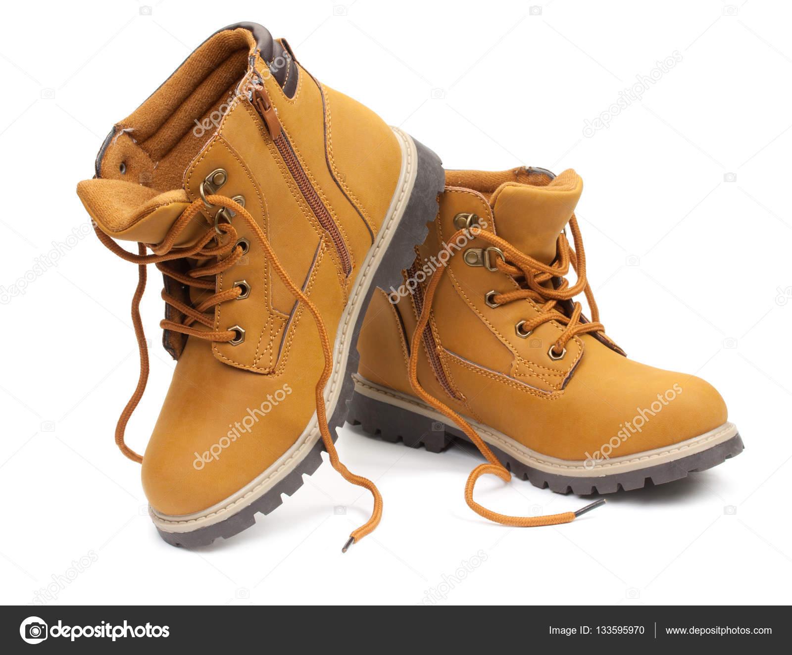 e0a05f6a18095b Жовта шкіра стильна Взуття підліткове, unlaced чоботи, ізольовані на білому  тлі — Фото від 3249855.gmail.com
